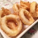 Calamares rebozados con harina y huevo