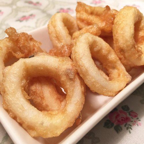 Calamars arrebossats amb farina i ou
