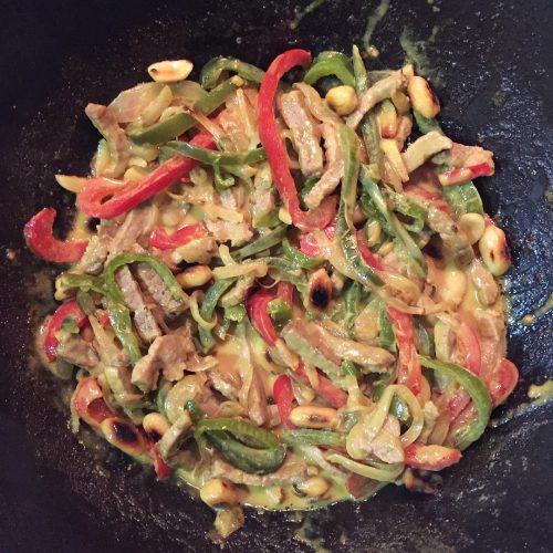 Wok de vedella al curri amb verdures